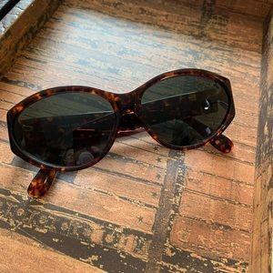 Jones of New York sunglasses